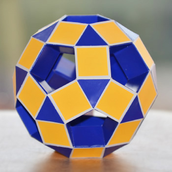 Small rhombicosidodecahedron toroid